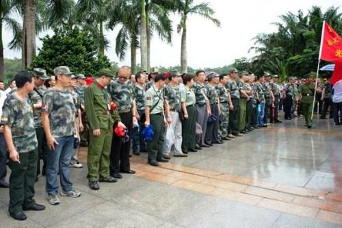 shenzhen retired soldier demonstration anti usa american imperialism