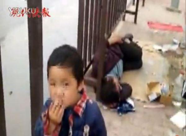 beggar child smoking suqian jiangxi